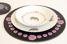 Nueva vajilla combinada de Ramón Tormes  www.platosypizarras.com Barware, Tea Cups, Stone, Tableware, Dinnerware, Rock, Tablewares, Stones, Dishes