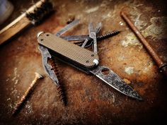 Swiss Army Pocket Knife, Victorinox Swiss Army, Icon Design, Knives, Unique Gifts, Just For You, Outdoors, Rustic, Stuff To Buy