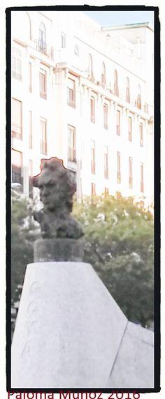 Monumento de 1998 dedicado a Goya en la esquina de la calle Goya y la de Alcalá, obra de Víctor Ochoa. Monument dedicated to Goya in the corner of the Goya street and the one of Alcalá, work of Víctor Ochoa. Built in 1998