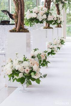 25 Ideas for garden wedding aisle decor magazines Wedding Ceremony Flowers, Wedding Flower Arrangements, Floral Wedding, Wedding Bouquets, Floral Arrangements, Wedding Backdrops, Ceremony Backdrop, Flower Bouquets, Outdoor Ceremony