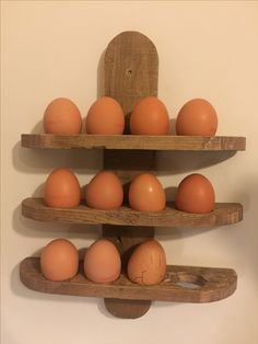 Cool Woodworking Tools Egg holder wall mount of pallet wood diy.Cool Woodworking Tools Egg holder wall mount of pallet wood diy Egg Storage, Bike Storage, Cool Wood Projects, Pallet Projects, Palette Deco, Bois Diy, Wood Pallets, Pallet Wood, Egg Holder