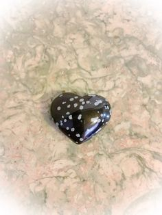 Pretty Snowflake Obsidian Puffy Heart by WingsAndThingsbyAlex