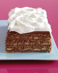Chocolate, Banana, and Graham Cracker Icebox Cake. Perfect for Father's Day!