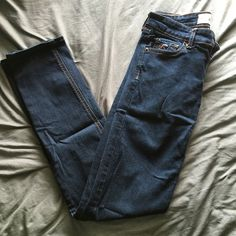 Hollister jeans Dark wash Hollister jeans. Size 3R. In good condition Hollister Pants Skinny