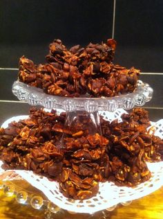 Chocolate and nut crisps Raw Dessert Recipes, Raw Food Recipes, Low Carb Recipes, Healthy Sweets, Healthy Baking, Healthy Snacks, Dessert For Dinner, Different Recipes, Lchf