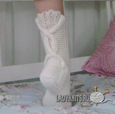 Ravelry: Talvenmaljat pattern by Lumi Karmitsa Knitting Machine Patterns, Knitting Stitches, Knitting Socks, Knitting Patterns, Crochet Patterns, Ravelry, Knitted Slippers, Knitting Accessories, Knitted Blankets