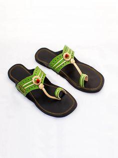 kolhapuri chappals online