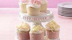 Wedding Cupcakes Dress up ordinary cupcakes with an assortment of eye-catching decorations.