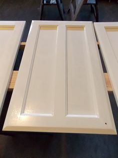 Hometalk :: How to DIY a Professional Finish When Repainting Your Kitchen Cabinets