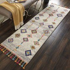 Teppich Beauvais in Grau Bloomsbury Market Teppichgröße: Läufer 68 cm x 183 cm Tribal Decor, Tribal Rug, Aztec Art, Grey Runner, Eclectic Rugs, Geometric Rug, Rug Material, Grey Carpet, Accent Rugs