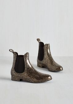 Glitz Raining, Glitz Pouring Rain Boot in Glitter. Put some pizzazz into your puddle jumping with these sparkly rain boots by Report Footwear! #black #modcloth