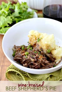 Wine-Braised Beef Shepherd's Pie #stpatricksday | iowagirleats.com