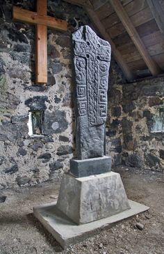 viking headstone_Isle of Barra