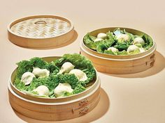 The Best Way to Improve Homemade Dumplings? A Bamboo Steamer — Saveur Best Dumplings, Steamed Dumplings, Homemade Dumplings, Chinese Dumplings, Dumpling Filling, Dumpling Dough, Dumpling Recipe, Appetizer Dishes, Appetizer Recipes