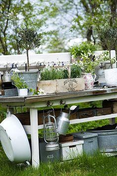 love the potting table w/enamel wear & galvanized pots Love Garden, Dream Garden, Home And Garden, Garden Table, Garden Pots, Garden Furniture, Outdoor Furniture Sets, Outdoor Decor, Potting Tables