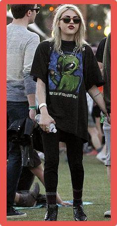 Frances Bean Cobain Measurements Frances Bean Cobain Plastic Surgery #FrancesBeanCobainPlasticSurgery #FrancesBeanCobain #celebritypost