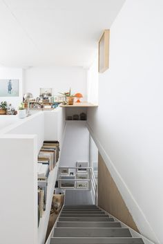 DTR studio architects have designed a single family house for a painter in Gaucín, Costa del Sol, Malaga, Spain. Stair Storage, Interior Decorating, Interior Design, Architect House, Malaga, White Walls, Interior Architecture, Home And Family, Sweet Home