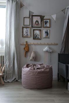 Love a good vintage gallery wall in the kids room , via Sittpuffen Baby Bedroom, Baby Room Decor, Girls Bedroom, Room Interior, Interior Design Living Room, Kids Barn, Kids Room Design, Little Girl Rooms, Kid Spaces