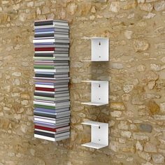 The invisible bookshelf small in white 3 piece set for a 40 Inch cm) stack of books Bookshelf Storage, Bookshelf Design, Book Shelves, Shelving, Bookshelf Ideas, Hanging Shelves, Wall Shelves, Diy Wood Projects, Home Projects