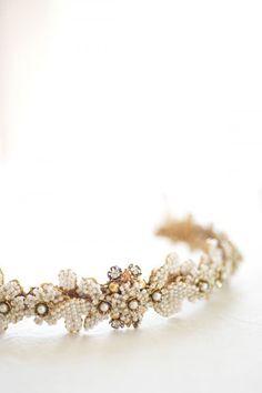 The Hottest 2015 Bridal Trend: 33 Golden Bridal Accessories Weddingomania | Weddingomania