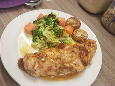 MaxMinus – Lavkarbo pannekaker - som ikke smaker omelett! Calzone, Mozzarella, Bacon, Food And Drink, Pizza, Keto, Chicken, Pork Belly, Cubs