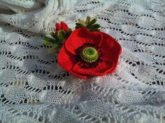 Red poppy brooch flower for women gift red for por OmGanchillo