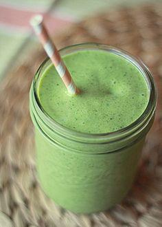 Vegan mango-coconut green smoothie | Kitchen Treaty... plus tasty green (no dye!) recipes for St. Patty's Day!