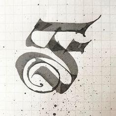 Fotobeskrivning saknas. Calligraphy Fonts Alphabet, Alphabet Symbols, Tattoo Lettering Fonts, Penmanship, Gothic Lettering, Graffiti Lettering, Creative Lettering, Lettering Design, Drawing Letters