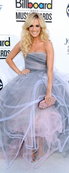 Who made Carrie Underwood's strapless gown that she wore in Las Vegas on May 20, 2012?