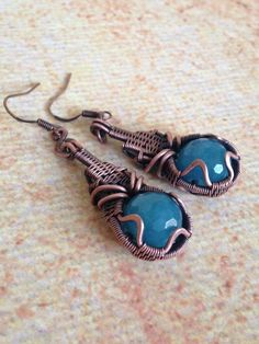 Oxidized copper earrings with angelite. Wire Jewelry Earrings, Bullet Jewelry, Copper Earrings, Metal Jewelry, Beaded Earrings, Jewelry Art, Gemstone Jewelry, Jewelry Design, Jewelry Ideas