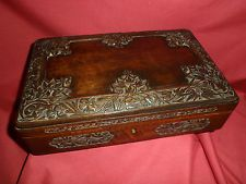 ANTIQUE VICTORIAN  WOODEN GAMES BOX WITH CARVED DETAIL. - wood/woodenware