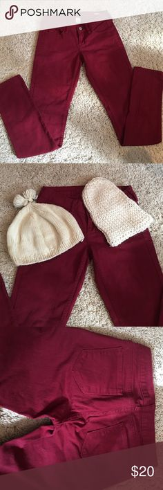 Burgundy skinny jeans with TWO FREE knit hats! Burgundy skinny jeans worn once! Two FREE knit hats with purchase! Pants Skinny
