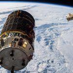 Le cargo spatial japonais Kounotori 6 ravitaille lISS avant de nettoyer lespace