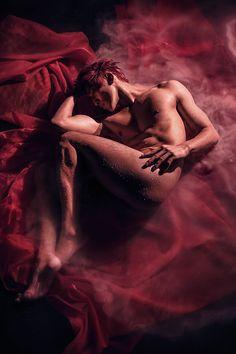 """Devil's Red"" — Photographer: Waynn Images Hair/Makeup: Private Colors Beauty & Makeup Academy Model: Fanta Sia"