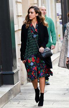 Street style celebrites sacs stars mode Jessica Alba