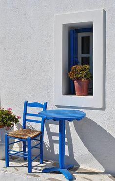 Table in Tholaria,Greece Architecture Life, Mediterranean Architecture, Mediterranean Homes, Greek Blue, Greece Islands, Condo, Thessaloniki, Shops, Macedonia