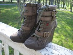 Big Buddha size 8M green canvas wedge boots zip sided buckles #BigBuddha #PlatformsWedges #Casual