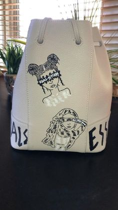 Painted Canvas Shoes, Custom Painted Shoes, Painted Bags, Painted Clothes, Hand Painted, Urban Style Outfits, Trendy Handbags, Black Girl Fashion, Diy Dress