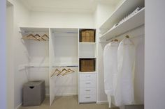 Walk-in Robe Designs & Ideas