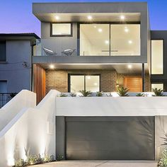 The Windsor's luxurious homes showcase beauty, functionality and inspired contemporary design. Designed by Pinnacle Plus these sophisticated homes are beautifully crafted, with striking street appeal, thanks to their geometric and modern looking facade. See more of this beautiful property by clicking the link in our profile #modernarchitecture #facade #pinnacleplus #windsormatraville #matraville #building #easternsuburbs #sydneyapartments #sydneyproperty #sydney #windsor #windsorapartments
