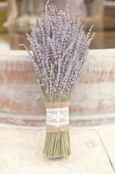 Lavendar bouquet... might as well use what we have scads of in the yard... and it smells AMAZING