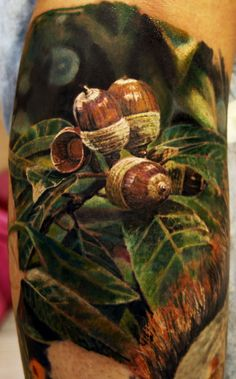 Description Tattoo of oak leaves and acorns.jpg