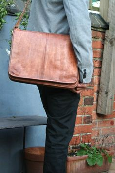 Pretty sure this is a MAN's bag, but I kind of like it for a lap top carrier.