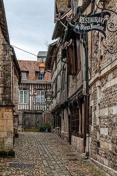 "travel-lusting: "" Rue de la Prison, Honfleur, France (by David Nicholls) """