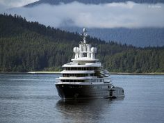 luna yacht in Alaska