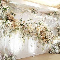 40 Ideas Wedding Colors January Flower For 2019 Floral Wedding, Wedding Colors, Wedding Bouquets, Wedding Flowers, Trendy Wedding, Gold Wedding, Wedding Stage Decorations, Engagement Decorations, Theme Color