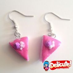 Delicious strawberry cakes, perfect to wear with every outfit. These earrings fulfill the sins of gluttony without making you feel guilty!  Find it on www.Delicute.com
