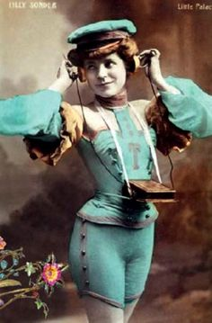 In the Edwardian era the mobile phone was powered by humans wearing tight blue shorts. Vintage Cards, Vintage Images, Photos Du, Old Photos, Image Positive, Watercolor Heart, Character Costumes, Edwardian Era, Interesting History