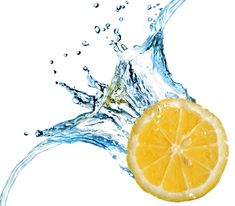 15 Reasons You Should Be Drinking Lemon Water Every Morning If you are looking for an easy trick to improve your life and overall health, than look no further. Drinking lemon water first thing in the morning is a pretty simple routine to … Lemon Water Health Benefits, Lemon Benefits, Lemonade Diet, Drinking Lemon Water, Sugar Scrub Diy, Water Me, Natural Health, Natural Skin, Natural Remedies