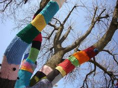 Brocheastur: Yarn Bombing,